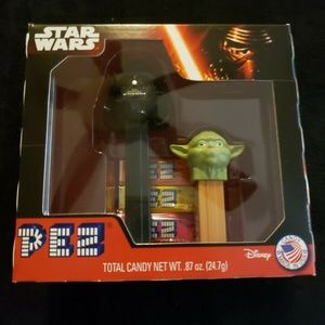 Rare Pez 2 Pack Star Wars Darth Vader & Mini Yoda